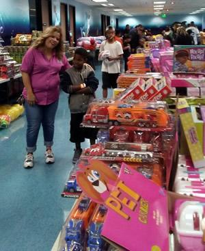 San Bernardino, Childrens Giveaway